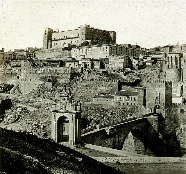Fotografía estereoscópica del Puente de Alcántara hacia 1858. Ferrier & Soulier