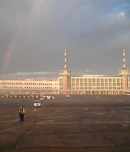 morning sunrise rainbow hungary budapest bud ferihegy airportterminal ferihegyinemzetközirepülőtér budapestferihegyinternationalairport lhbptarmac