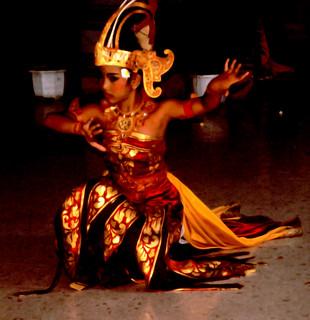 Bali Dancers / Balinese Dance - Kneeling