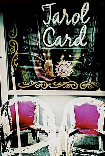 Where can I learn how to read tarot cards?