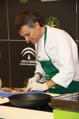 Luciano Villar preparando el Esturión