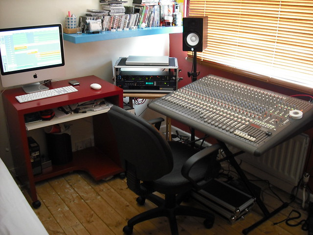 The bedroom studio home studio by garethreid flickr for Bedroom recording studio