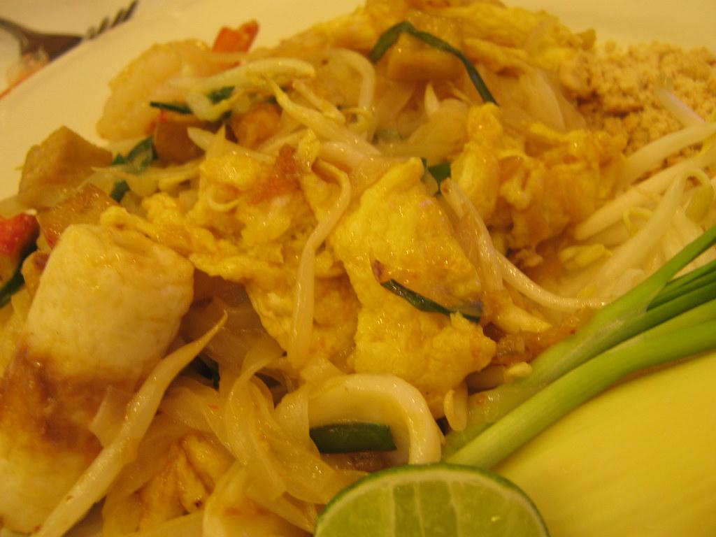 Calories in pad thai noodles