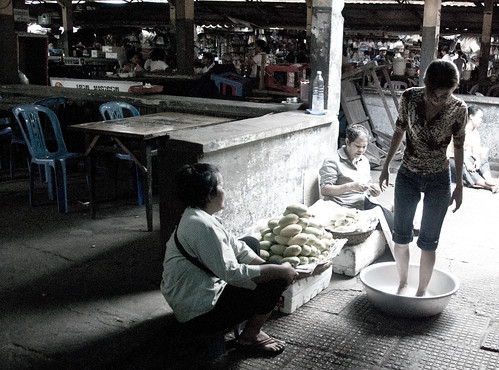 Central Market in Phnom Penh by jennikokodesu, on Flickr