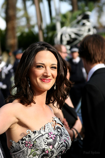 Asia Argento-cannes-film-festival-2009