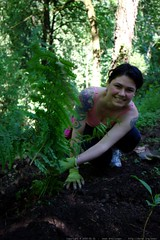 rachel adding new ferns to our yard    MG 4651