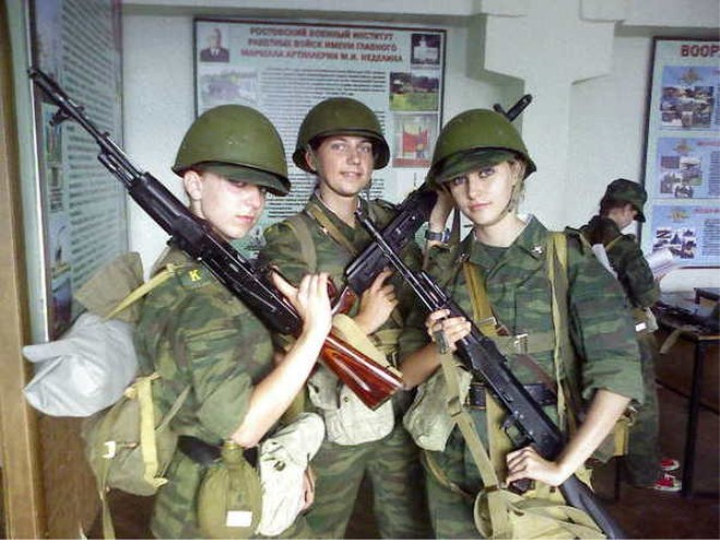DMP-FF065 RUSSIAN FEMALE SOLDIERS - a photo on Flickriver | 661 x 496 jpeg 94kB