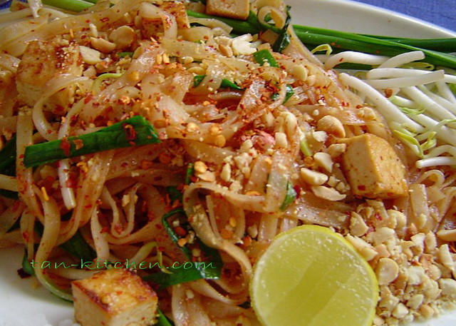 Vegetarian Pad Thai | An authentic Pad Thai recipe for real ...