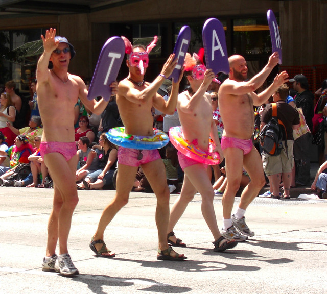 2009 Seattle Gay Pride Parade-Orca Members-2