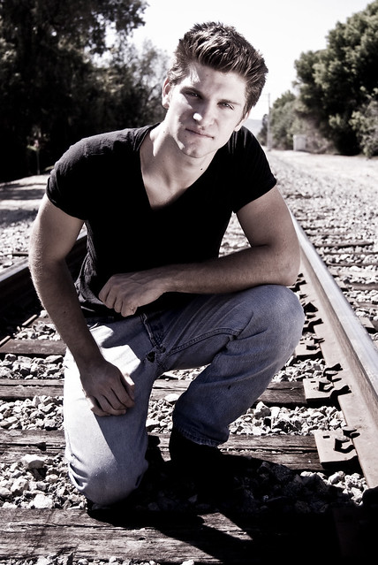Keegan Allen - Picture Hot