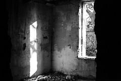 Abandoned House (05) - 21Mar09, Montcalm (France)