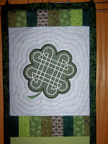 Irish Barn Quilt Patterns : 1000+ images about A Celtic Quilt ideas on Pinterest Celtic Knots, Celtic Quilt and Celtic