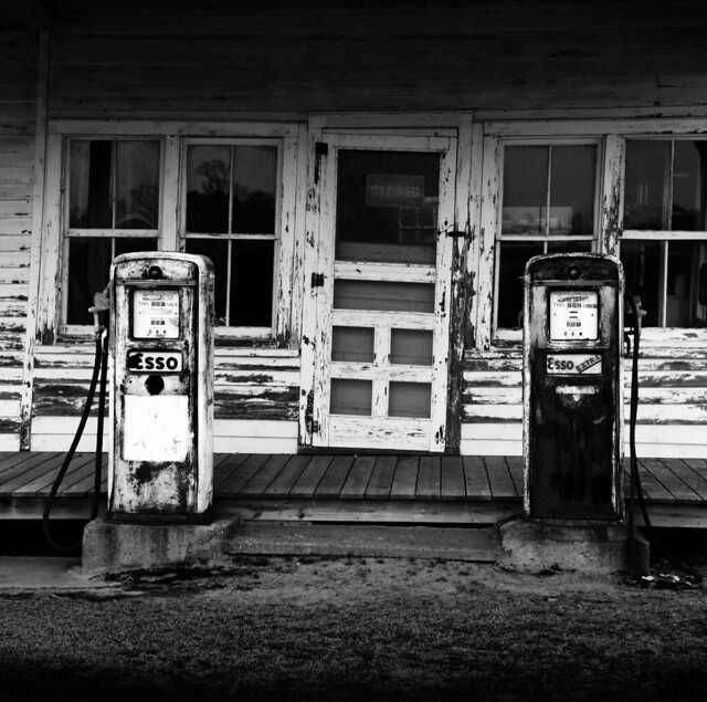 Esso Black & White
