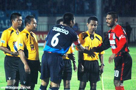 Arema Malang vs Persipura Jayapura | Flickr - Photo Sharing!