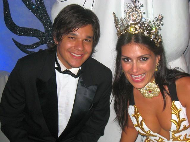 Natalia Guimaraes e Leandro Scornavacca da Banda KLB no Baile do Copa