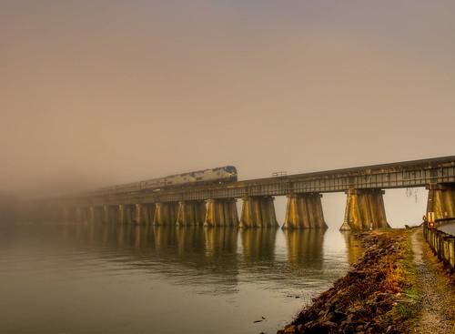 bridge mist fog architecture train sunrise virginia bridges wideangle tokina1224 tokina amtrak potomac leesylvania stateparks d300 supershot leesylvaniapark theforgottentrain thelosttrain