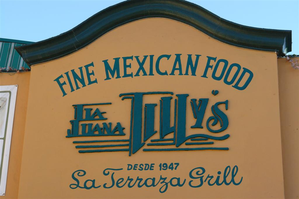"""Restaurante Mexicano, de los muchos de la Avenida Revolución tijuana - 3360316174 2eceba4555 o - Tijuana, La ciudad frontera con """"otro mundo"""""""