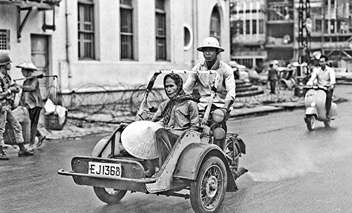Saigon taxi in late 1968 -- img339 by Lance & Cromwell (home safe-pictures coming)