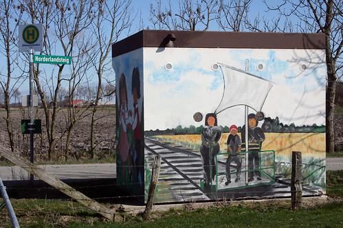 Helse,Buswartehäuschen mit Wandbild