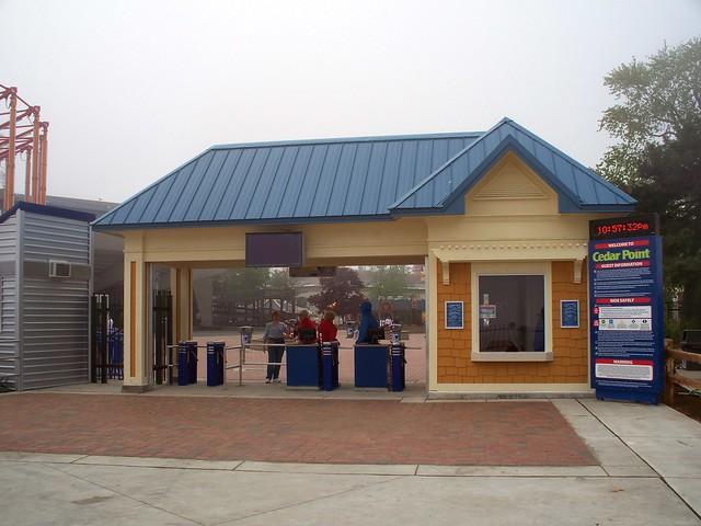 Cedar Point - Beach Entrance
