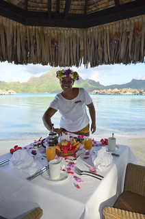 Romantic idea private breakfast InterContinental Bora Bora  Resort & Thalasso Spa