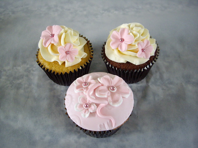 Sample Wedding Cupcakes These are some samples for my friends wedding using