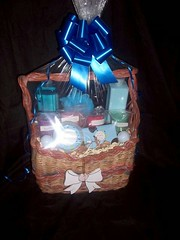 Gift Basket - Courtesy of Lori Lee~Ray aka BasketOfCandles on Flikr