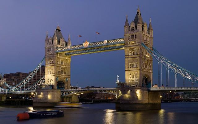Tower bridge london england flickr photo sharing for Trodel mobel