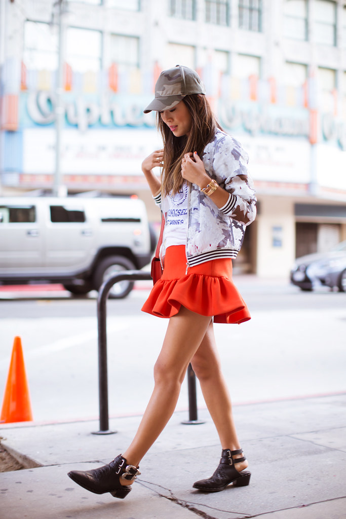 song_of_style_red_skirt_camo_cap