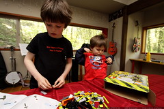 nick and sequoia building a new lego kit