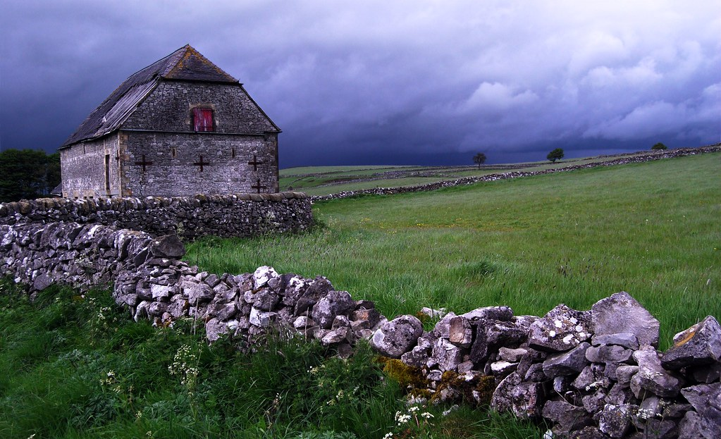 Barn above Hartington
