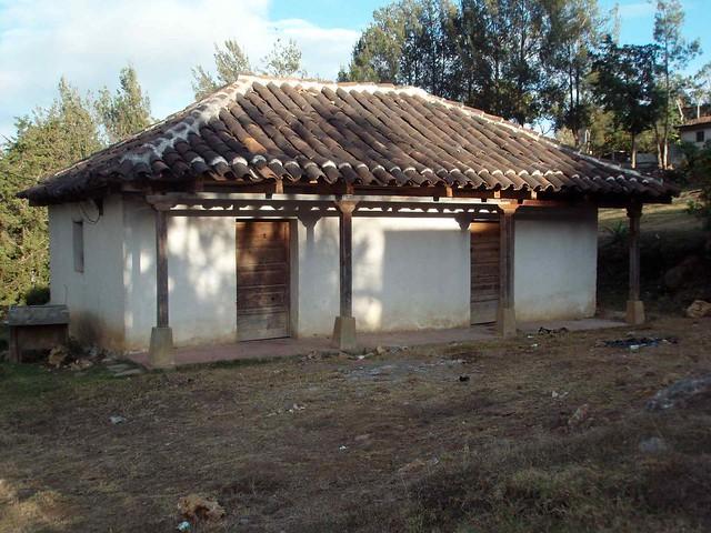 Casa con tejas home with tile roof uspant n quich - Casas con tejas ...