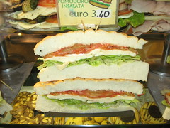 blt, sandwich, lunch, chivito, submarine sandwich, muffuletta, meat, bã¡nh mã¬, food, dish, fast food,