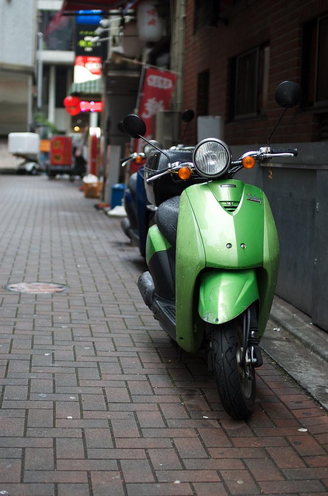 緑のスクーター DSC_2284