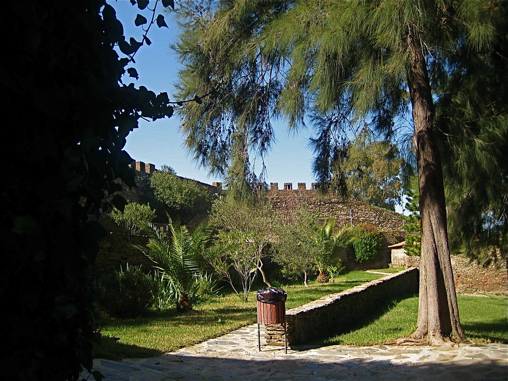 Alcoutim pittoresque cadre typique de l 39 algarve le for Jardin pittoresque