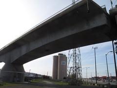 arch(0.0), public transport(0.0), arch bridge(0.0), viaduct(0.0), skyway(0.0), stadium(0.0), cable-stayed bridge(0.0), girder bridge(1.0), transport(1.0), beam bridge(1.0), overpass(1.0), bridge(1.0),