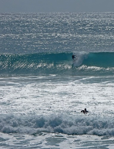 waves at burleigh heads