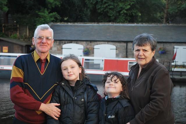 Union Canal_ 49/01_ Dad, Dayna, Miriam & Mum