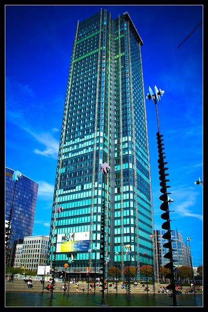 La Défense: CB21 Tower