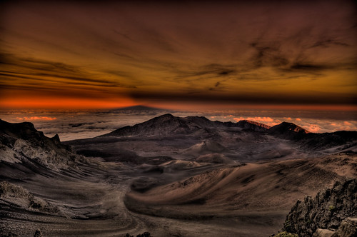 sunset shadow nationalpark maui haleakala hi hdr dormant photomatix volcoano 2008122000168