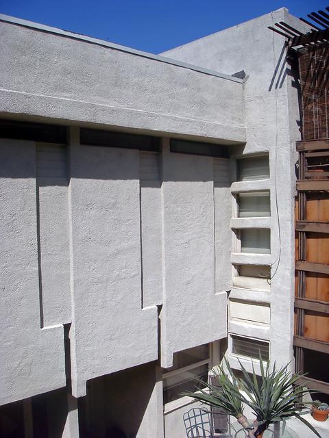 Garden Court Apartments Logan