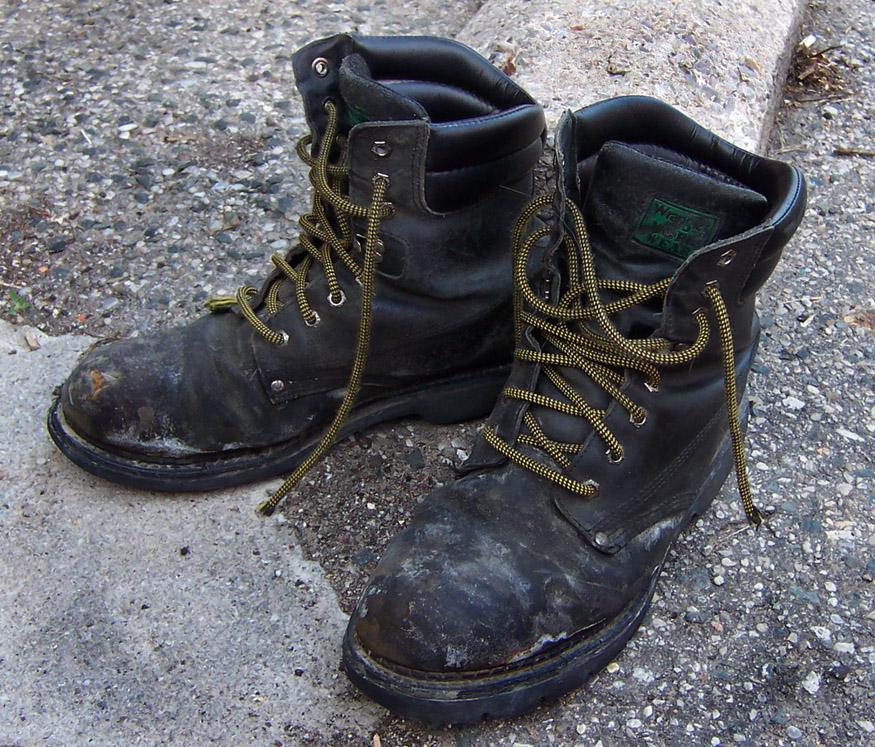 Lederstiefel putzen: Geniale Tricks für saubere Stiefel!