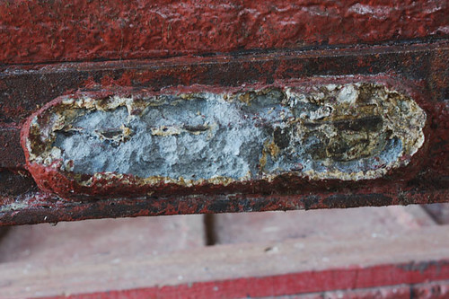 Zinc anodes protect the steel parts of the keel