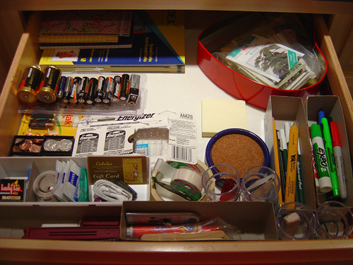 Junk Drawer Organized With Temp Containers by Zayabibu