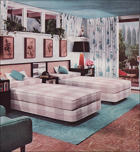 1950s Bedroom Set http://www.flickr.com/photos/americanvintagehome/3494583799/