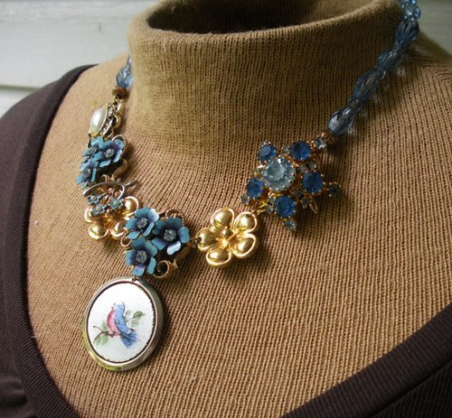 Blue flowers and beads necklace