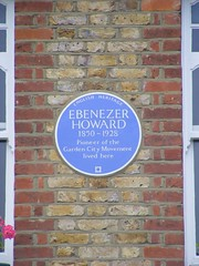 Photo of Ebenezer Howard blue plaque