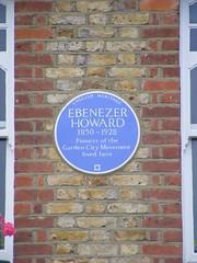Photo of Ebenezer Howard blue plaque