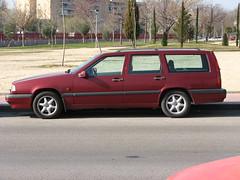 compact car(0.0), sedan(0.0), hatchback(0.0), automobile(1.0), family car(1.0), vehicle(1.0), volvo v70(1.0), volvo 850(1.0), full-size car(1.0), land vehicle(1.0), luxury vehicle(1.0),