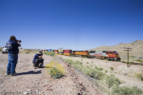 california friends canon fun outdoors trains socal mojave canondslr bnsf locomotives railroads alltrains movingtrains canon1740f4lusmgroup sbcusa